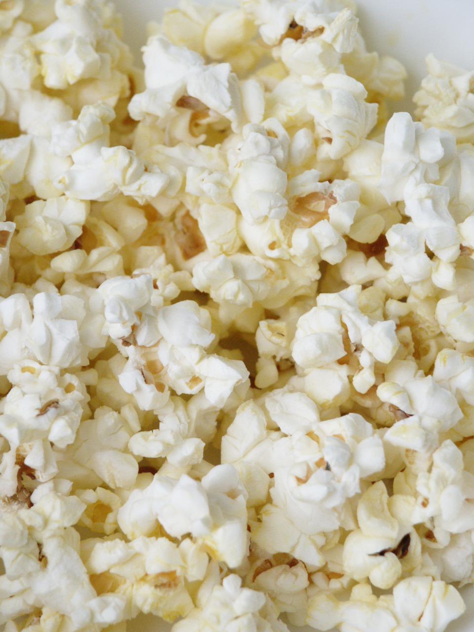 hur många kalorier innehåller popcorn